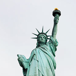Top half of the Statue of Liberty - Photo by VÍctor Daniel Giraldo on Unsplash